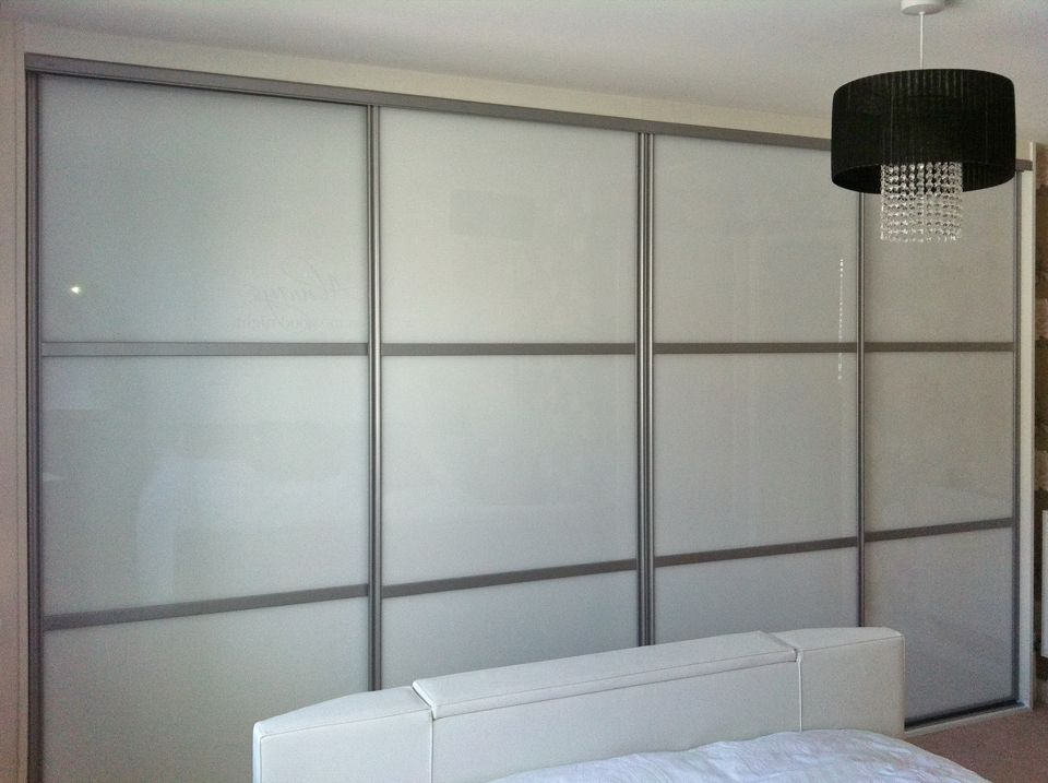 CONTEMPORARY SLIDING WARDROBES